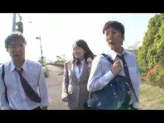 03-1女教師媚薬通學バス思春期全開!