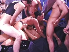 Gang Bang Beauties – Michelle Raven (2-2)